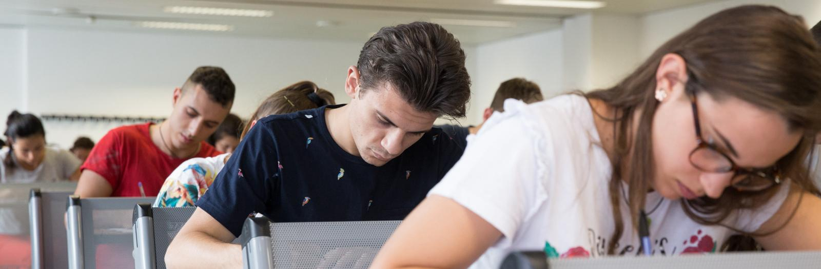 Studenti frequentanti una classe del Dipartimento di Scienze Economiche